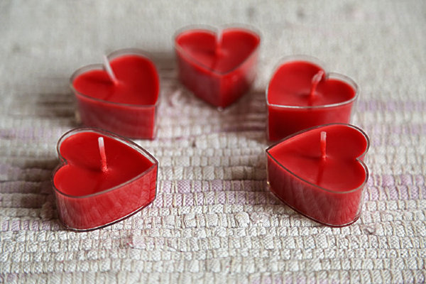 Red hearts candles