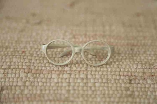 Glasses for dolls