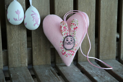 Easter heart with bunny