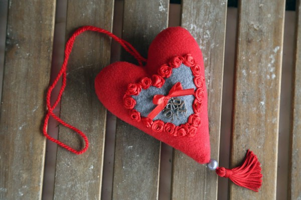 "Red fabric heart ""Love"""