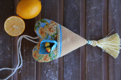 "Fabric heart with pocket ""Yellow roses"""