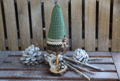 Knitted Xmas tree